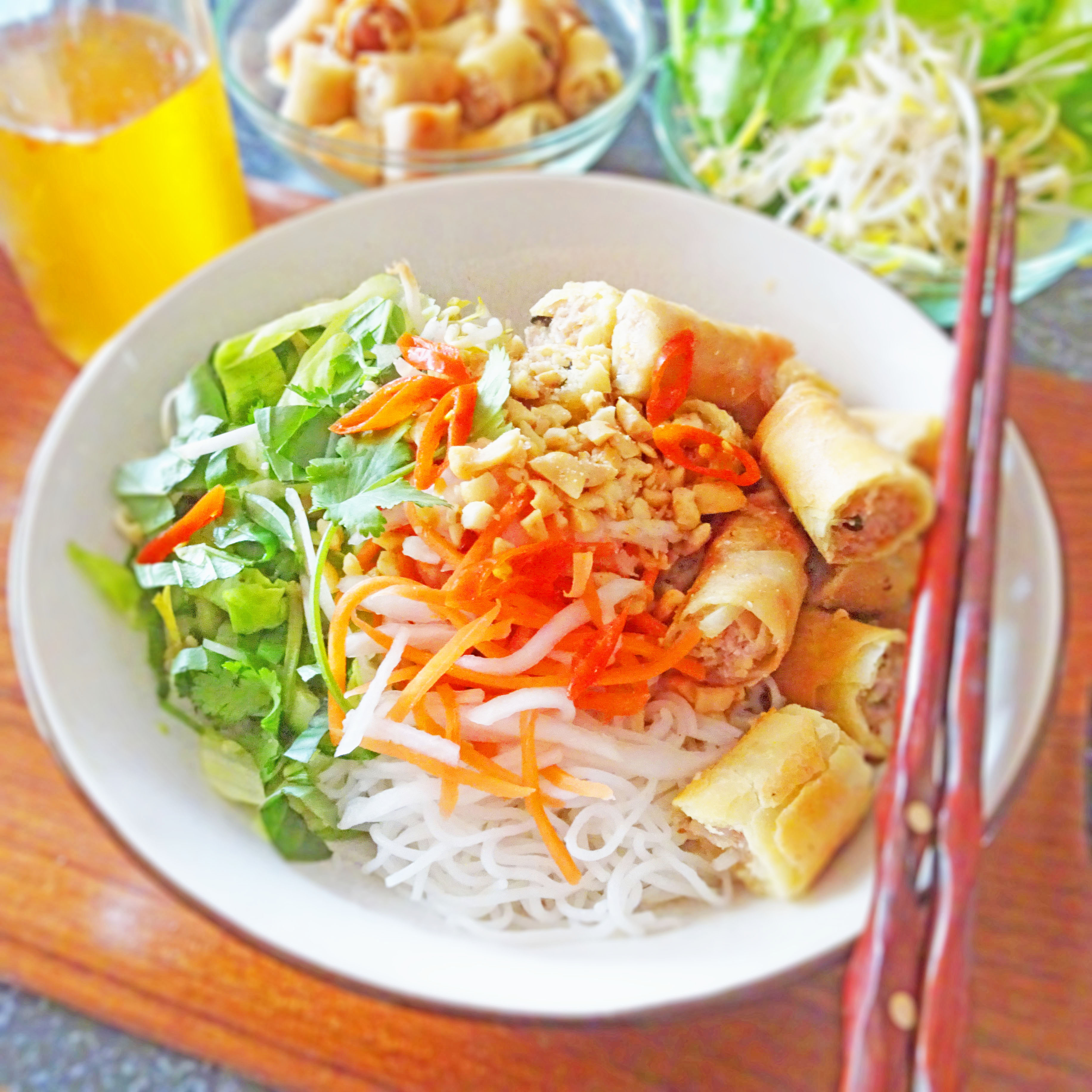 Spring Roll Noodle Bowls – Bun Cha Gio